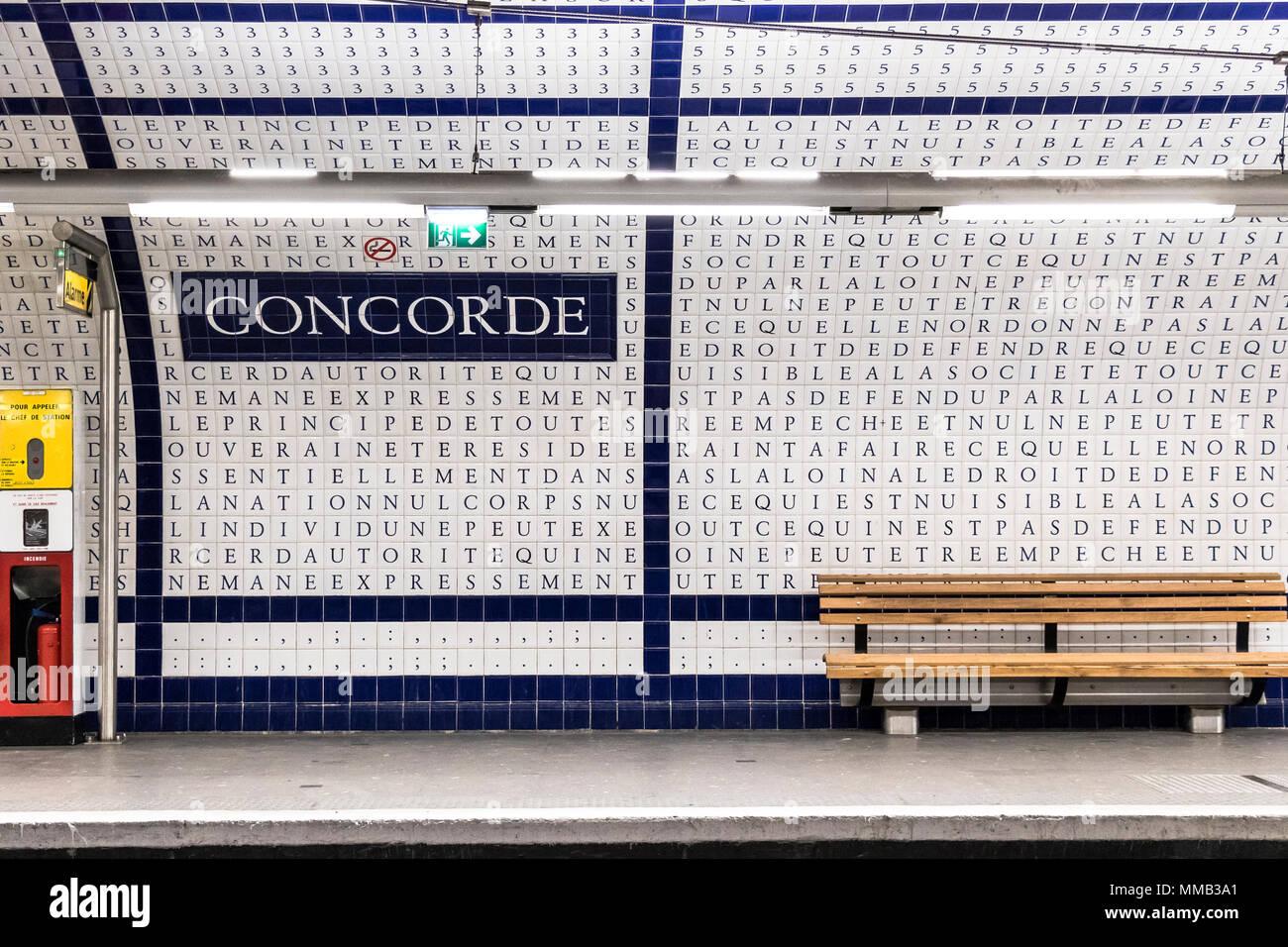 Metropolitana di parigi concorde stazione ha piastrelle