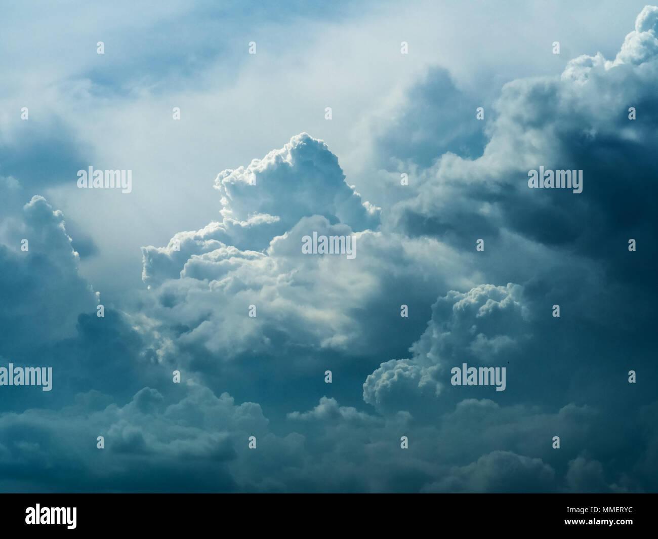 Bella mozzafiato su larga scala la formazione di Cloud Cloudscape Panorama Vista panoramica Immagini Stock