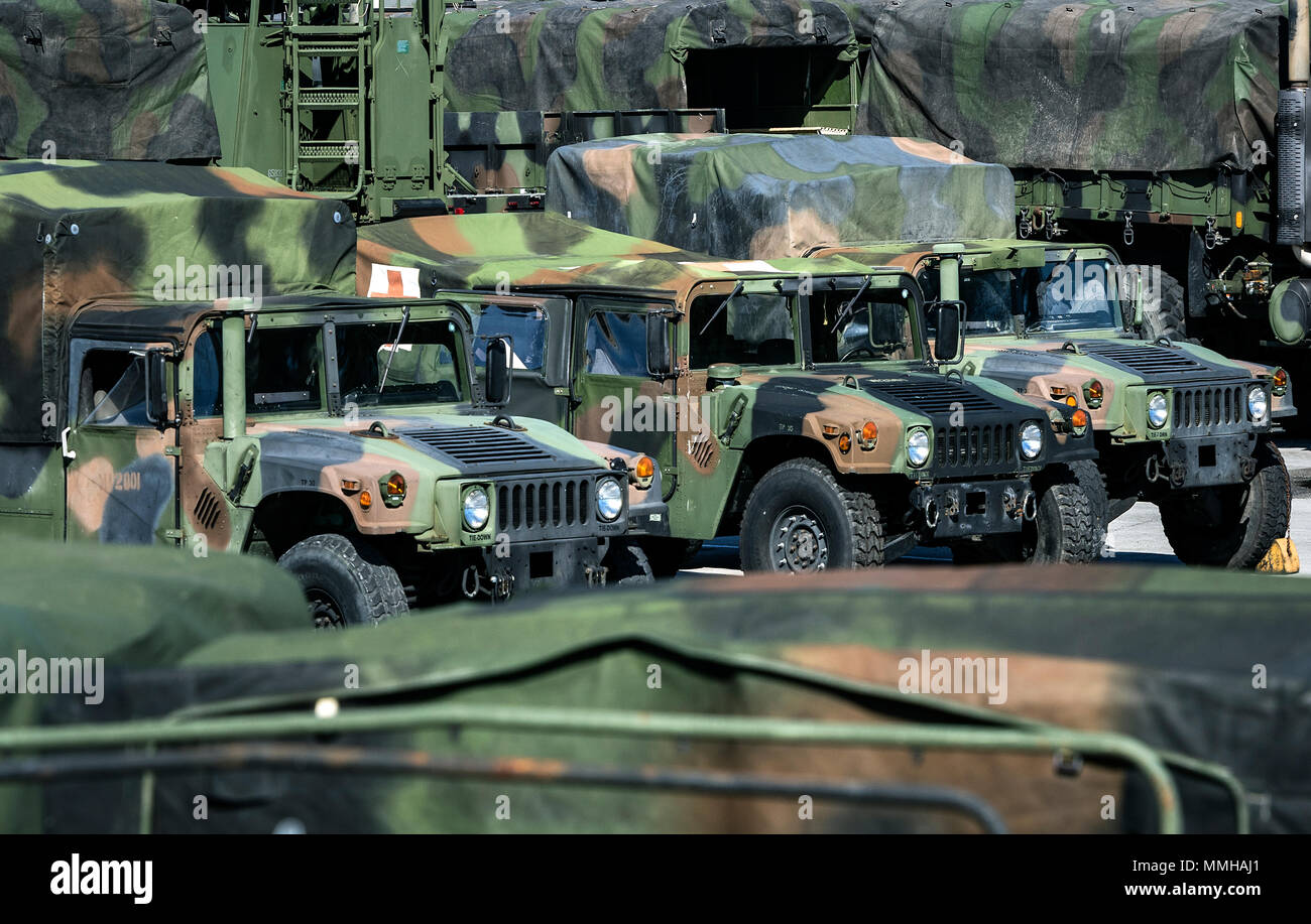 Marine Corps Humvees, Marine Corps base Camp Lejeune, North Carolina, Stati Uniti d'America. Immagini Stock