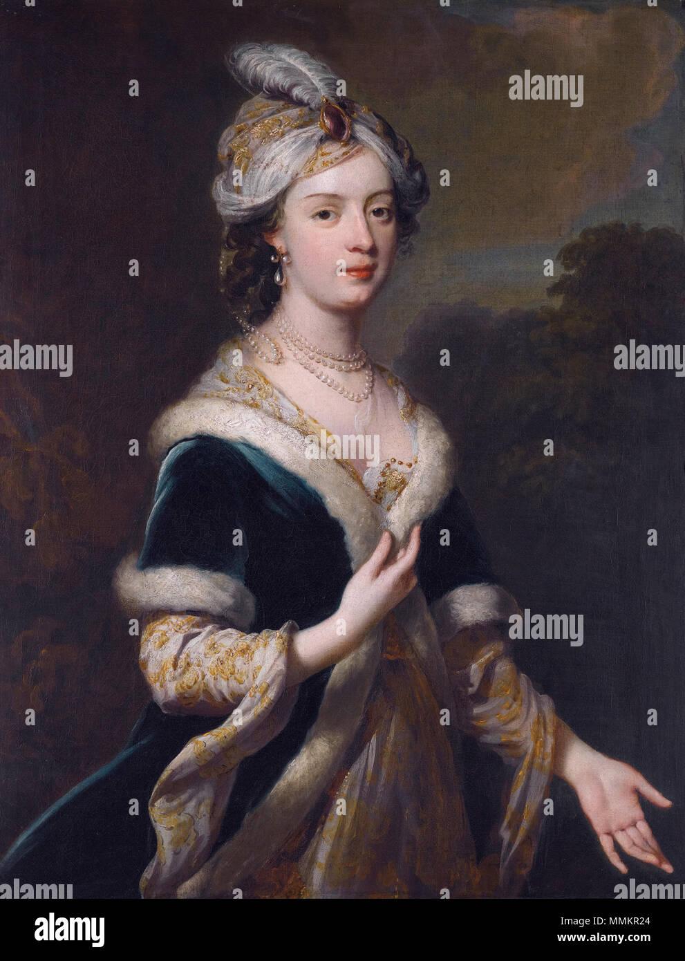 . Inglese: Elizabeth Howard (1701-1739), figlia di Charles Howard, 3° Conte di Carlisle, in costume turco Elizabeth Howard (1701-1739), figlia di Charles Howard, 3° Conte di Carlisle, in costume turco *olio su tela *91 x 71 cm *circa 1830 Elizabeth Howard (1701-1739), da George Knapton Immagini Stock
