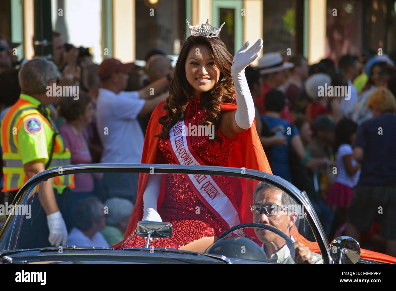 Anno Nuovo Cinese Regina parate durante il Nuovo Anno Lunare celebrazione, Oahu, Hawaii, STATI UNITI D'AMERICA Foto Stock