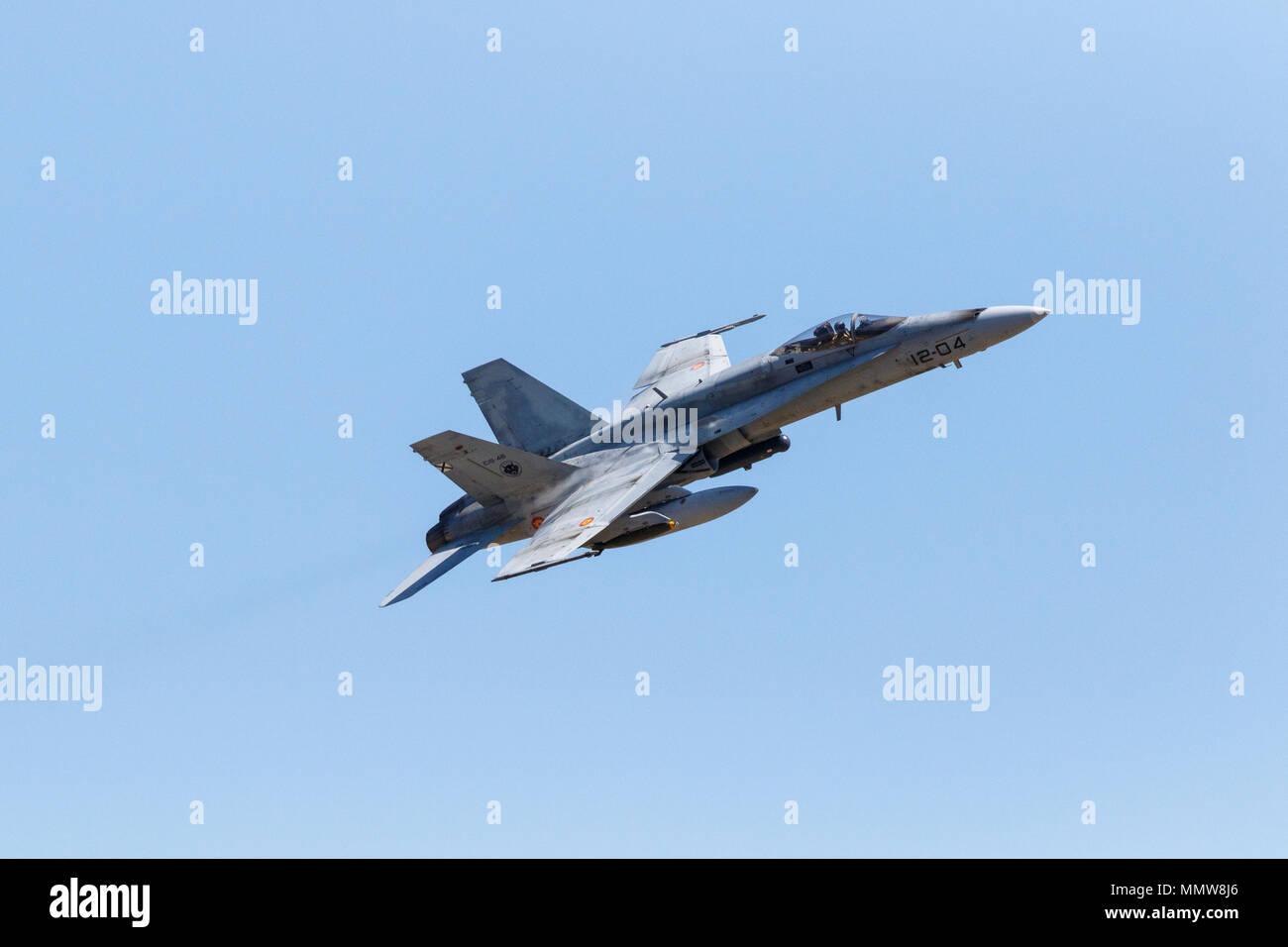 """F-18. Manovre Militari a Bardenas Reales poligono di tiro. Operazione """"Tormenta 2018'. Zona militare. Bardenas Reales. Navarra. Spagna. L'Europa. 09/05/ Immagini Stock"""