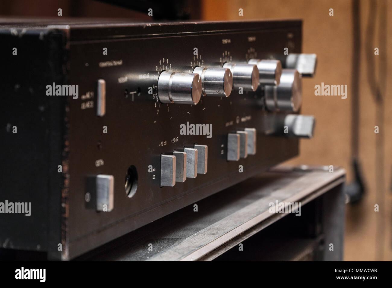 Posso collegare un amplificatore a una radio StockSL sito di incontri