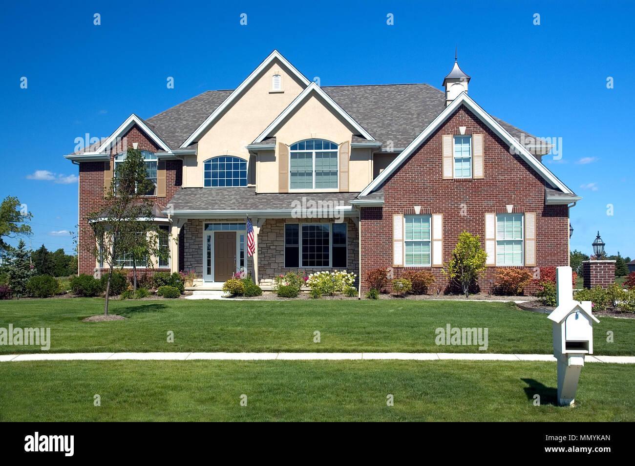 Case In Pietra E Mattoni : Nuova casa americana con una bella pietra e mattoni dettagli una