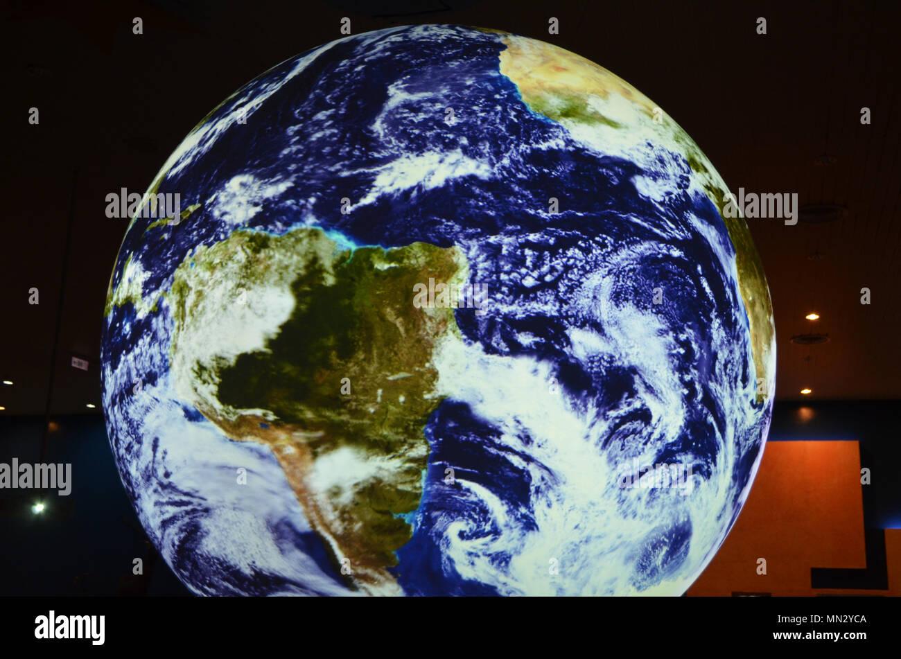 Globo terrestre modello nel Museo Nazionale di Scienze Naturali, Taichung (Taiwan) Immagini Stock