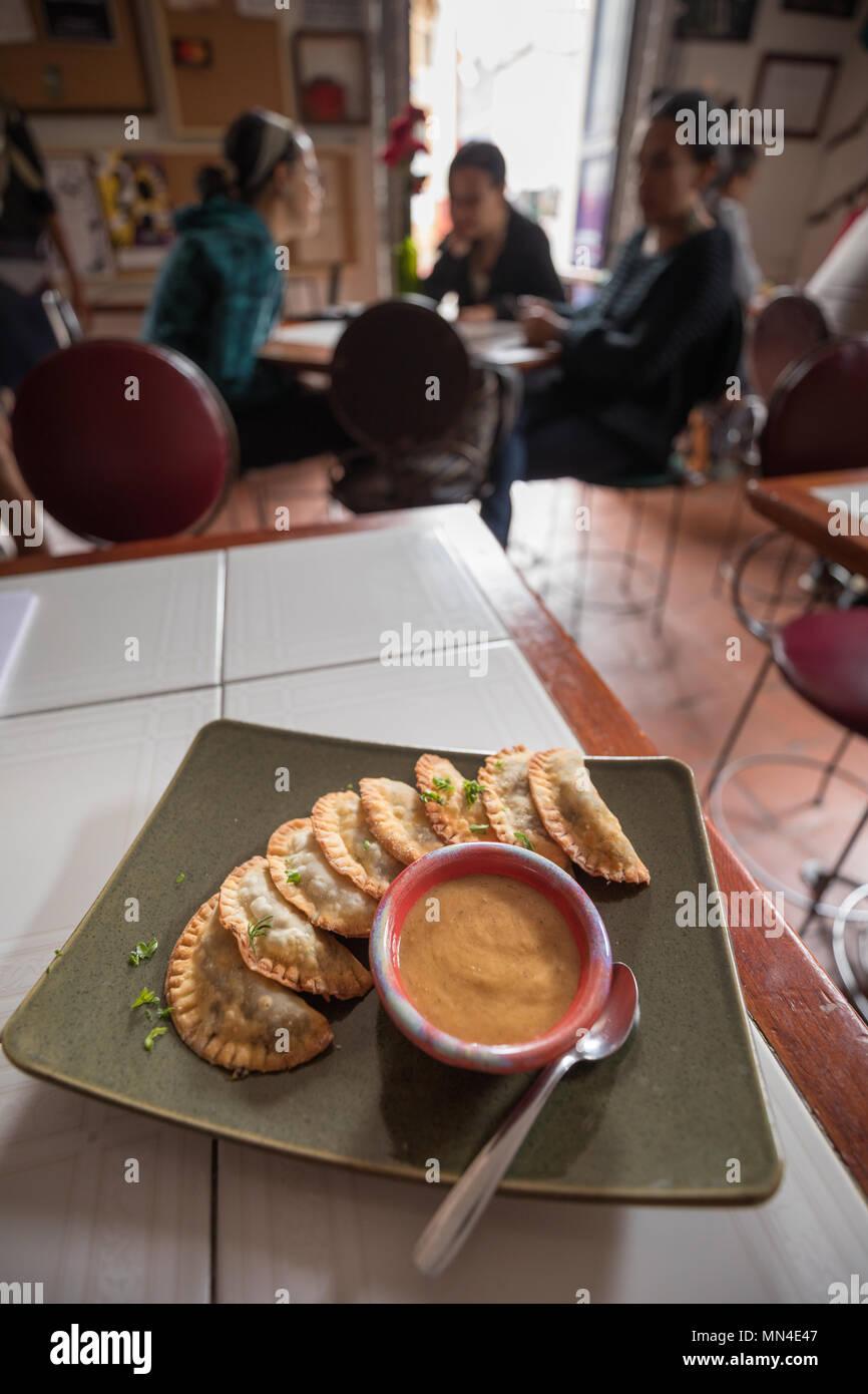 Le empanadas & zuppa, La Canadelaria, Bogotà, Colombia Immagini Stock