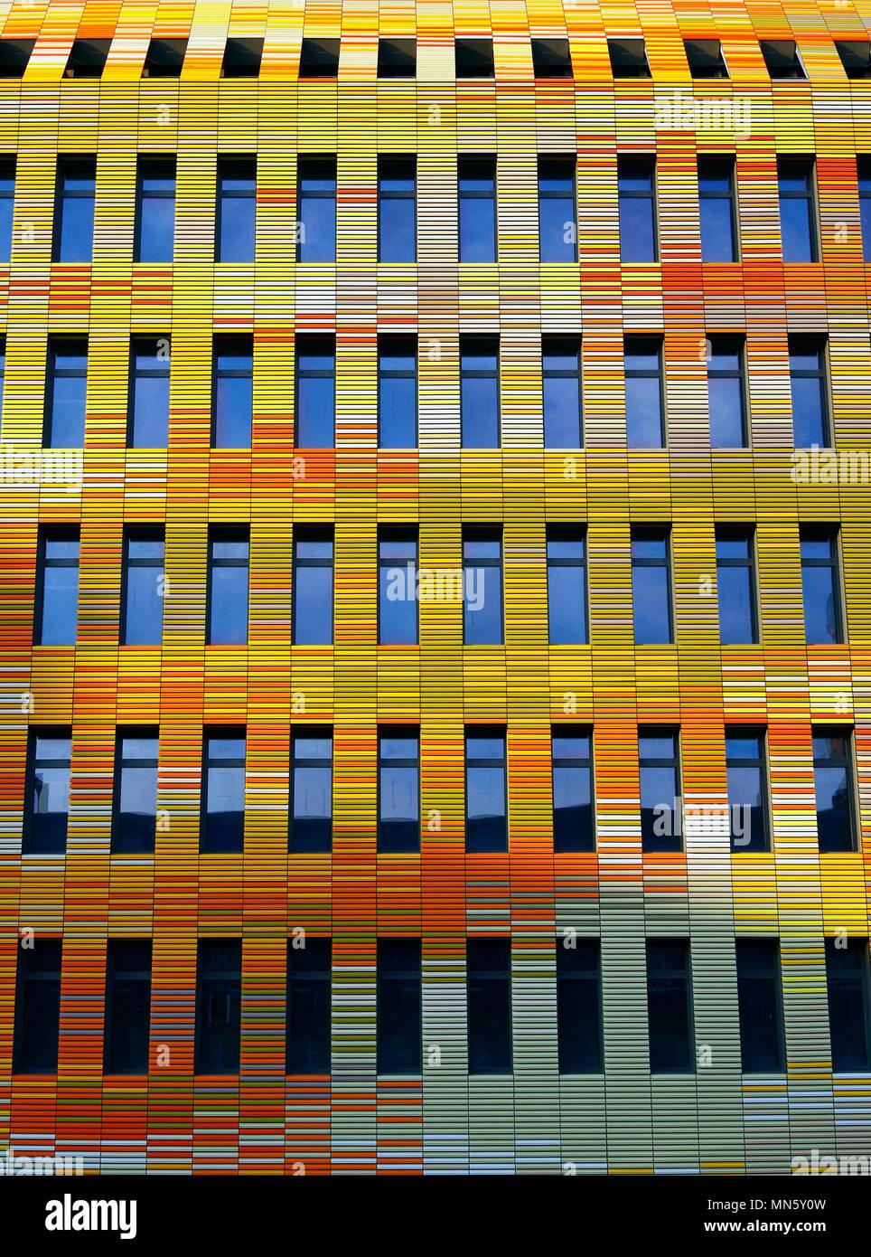 Strasburgo Francia, edificio di colore luminoso per il centro per la ricerca biomedica dell' Ospedale universitario di Strasburgo, CHU. Immagini Stock