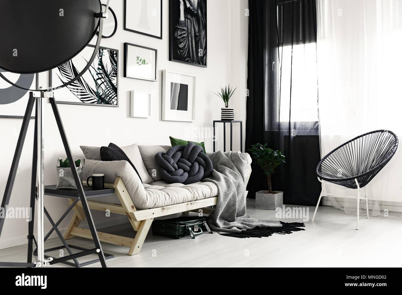 Divano in legno e nero elegante sedia di design moderno soggiorno