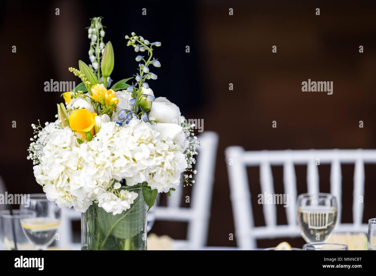 Bouquet Sposa Nero.Primo Piano Di Un Matrimonio Bouquet Di Fiori Disposizione
