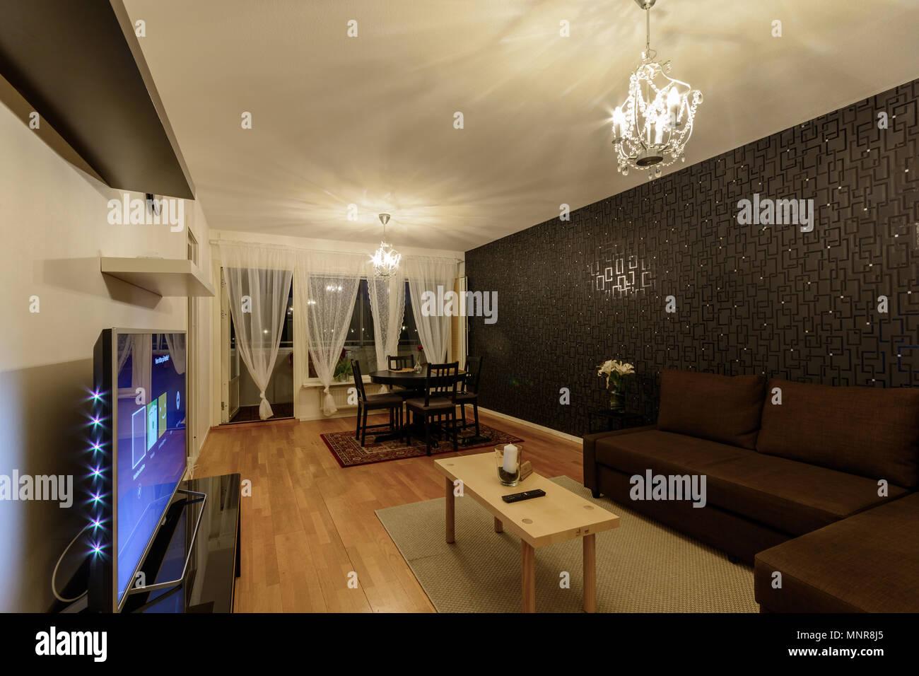 Interior design scandinavo e di soggiorno con lampadari e bianchi