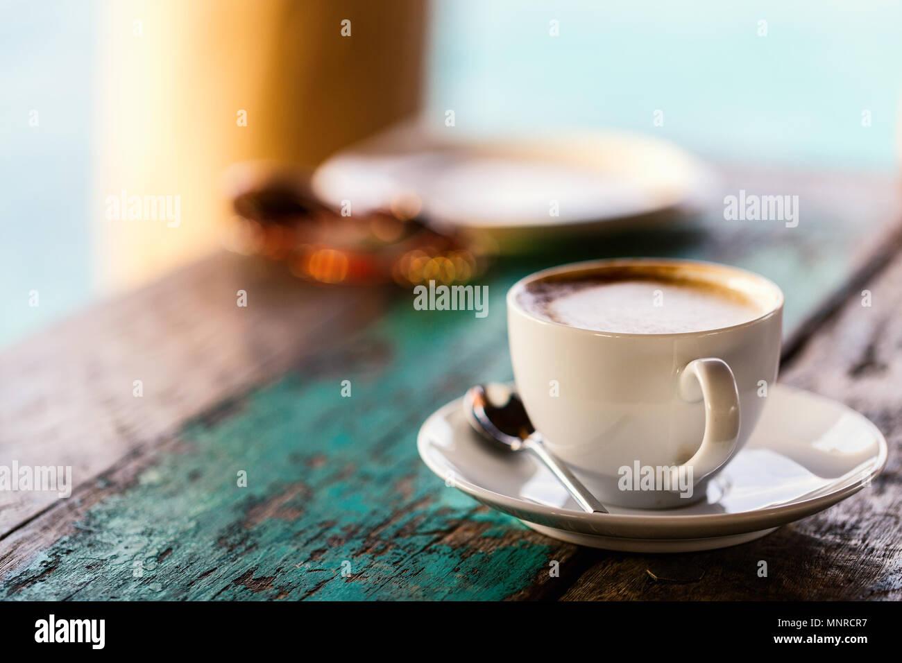 Il caffè fresco servito per la prima colazione Immagini Stock