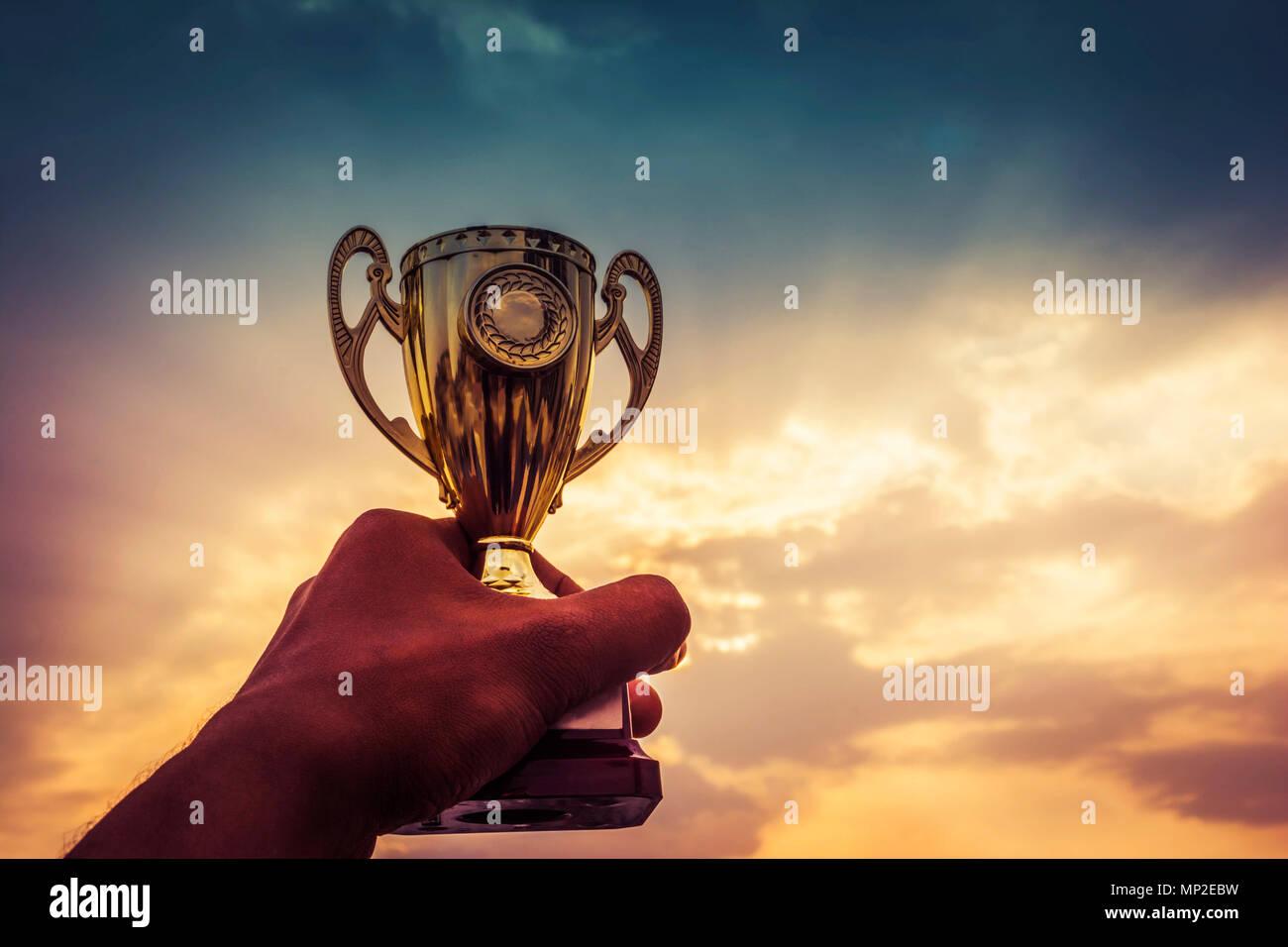 Mano azienda vincitrice del trofeo Immagini Stock