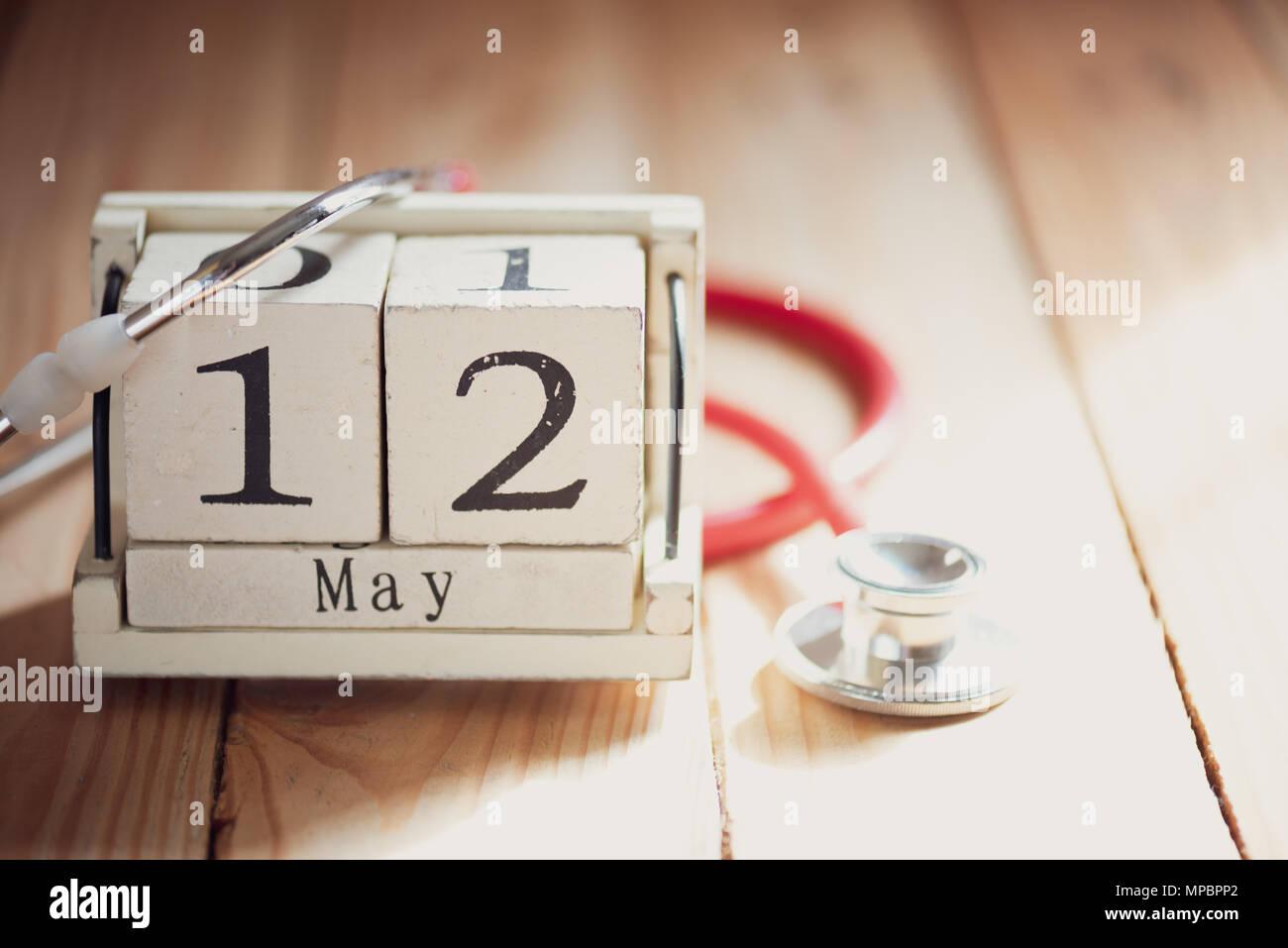 Calendario Internazionale.Blocco Di Legno Del Calendario Internazionale Per Infermieri