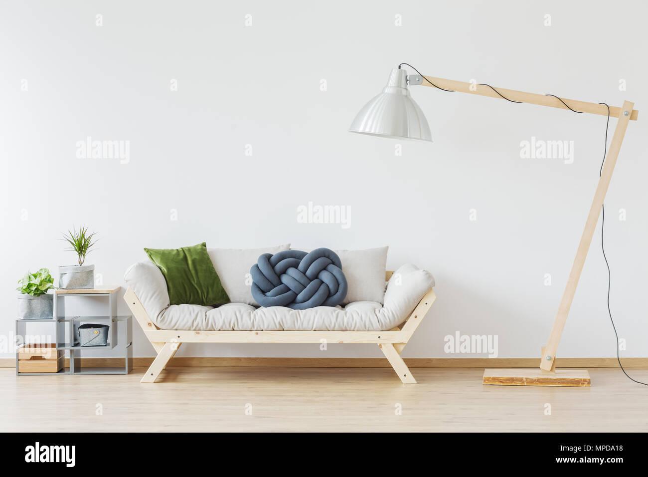 In legno divano elegante in stile moderno nordic appartamento