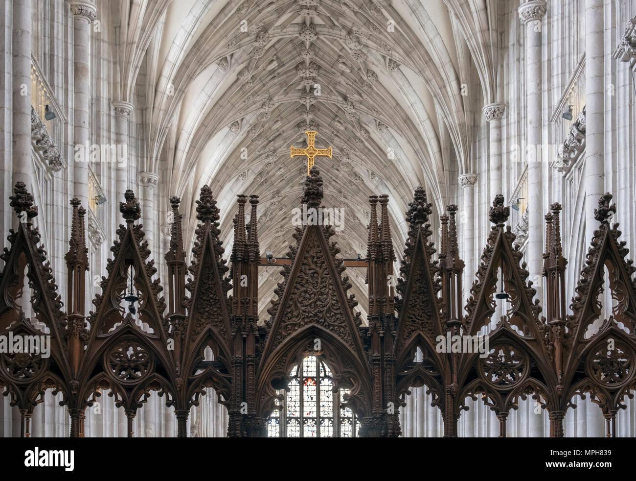 Winchester, Cattedrale, Blick aus dem Chor nach Osten mit Chorgestühl, Lettner Immagini Stock