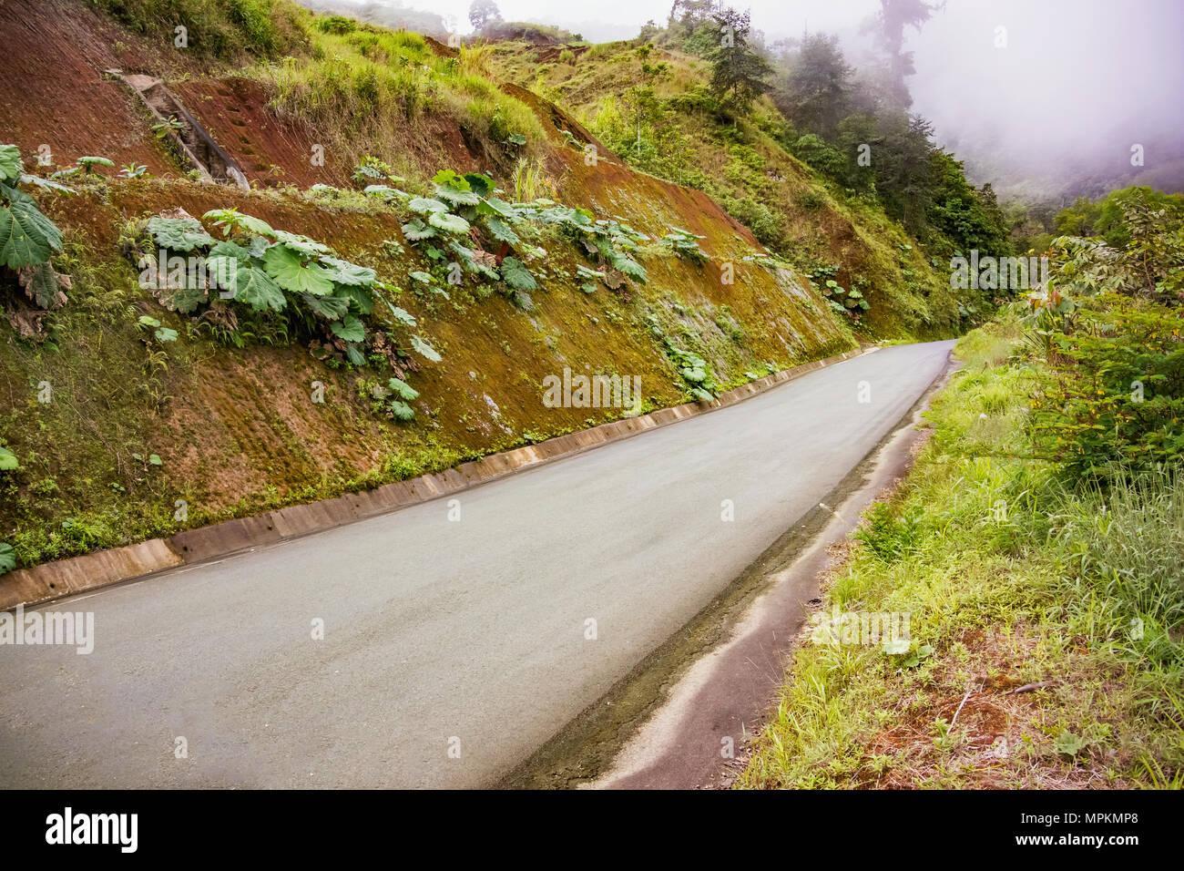Vista pittoresca presso la strada 126 vicino a China nella provincia di Alajuela in Costa Rica. Immagini Stock