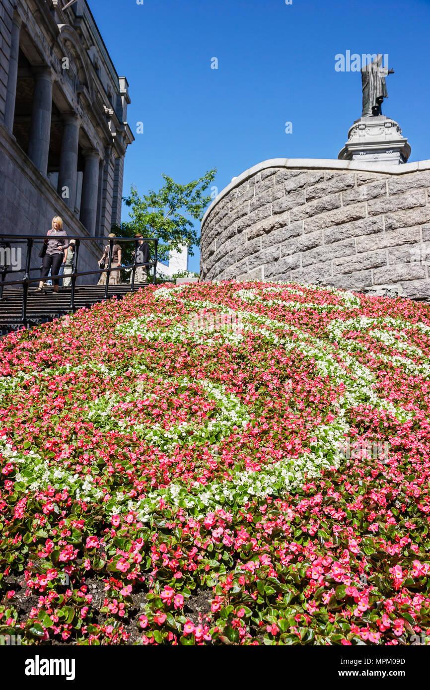 Città di Québec in Canada Cote de la Montagne fiori edificio storico landscape design Immagini Stock