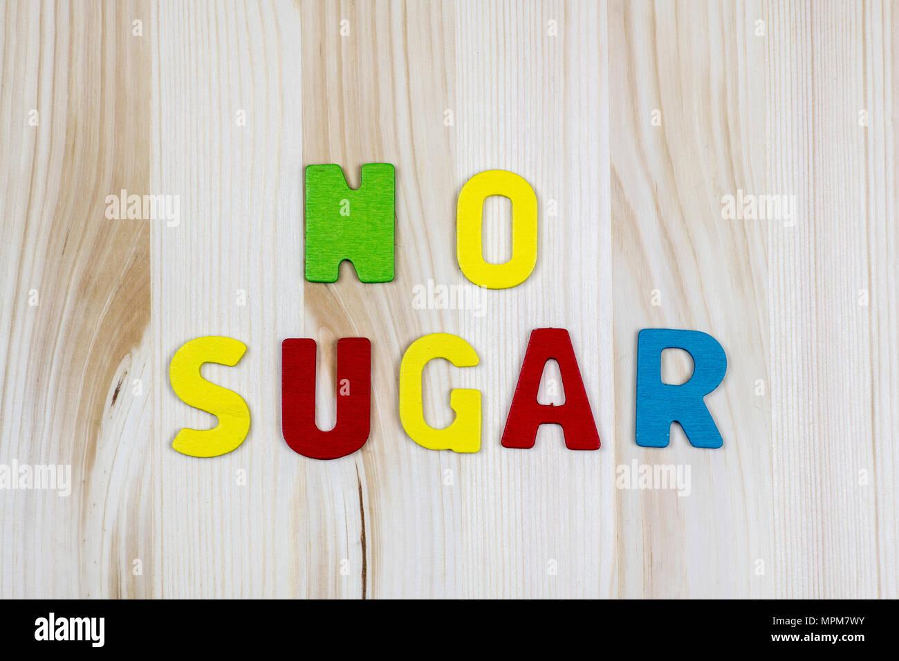 Lettere Di Legno Colorate : Non lo zucchero! wriiten con testo colorato lettere di legno sul