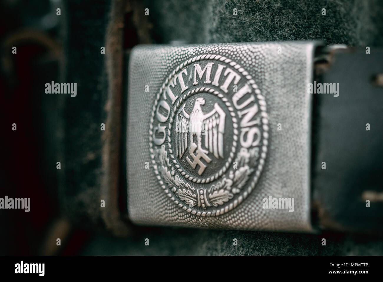 La fibbia della cinghia soldato tedesco della Wehrmacht durante la Seconda Guerra Mondiale di close-up con la scritta - Dio è con noi Immagini Stock