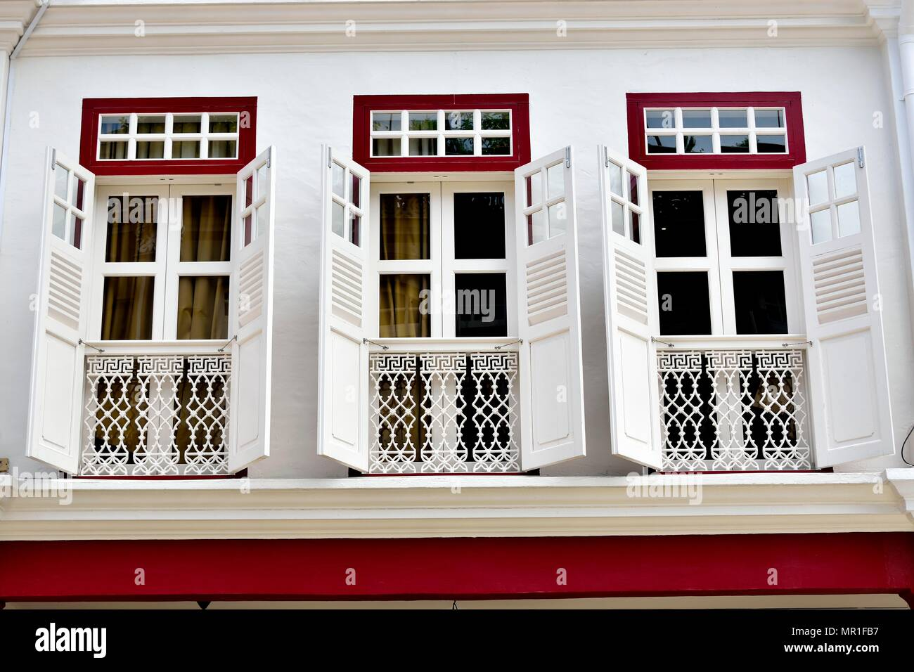 Persiane In Legno Antiche : Visualizzazione verticale di vendemmia tradizionale singapore shop