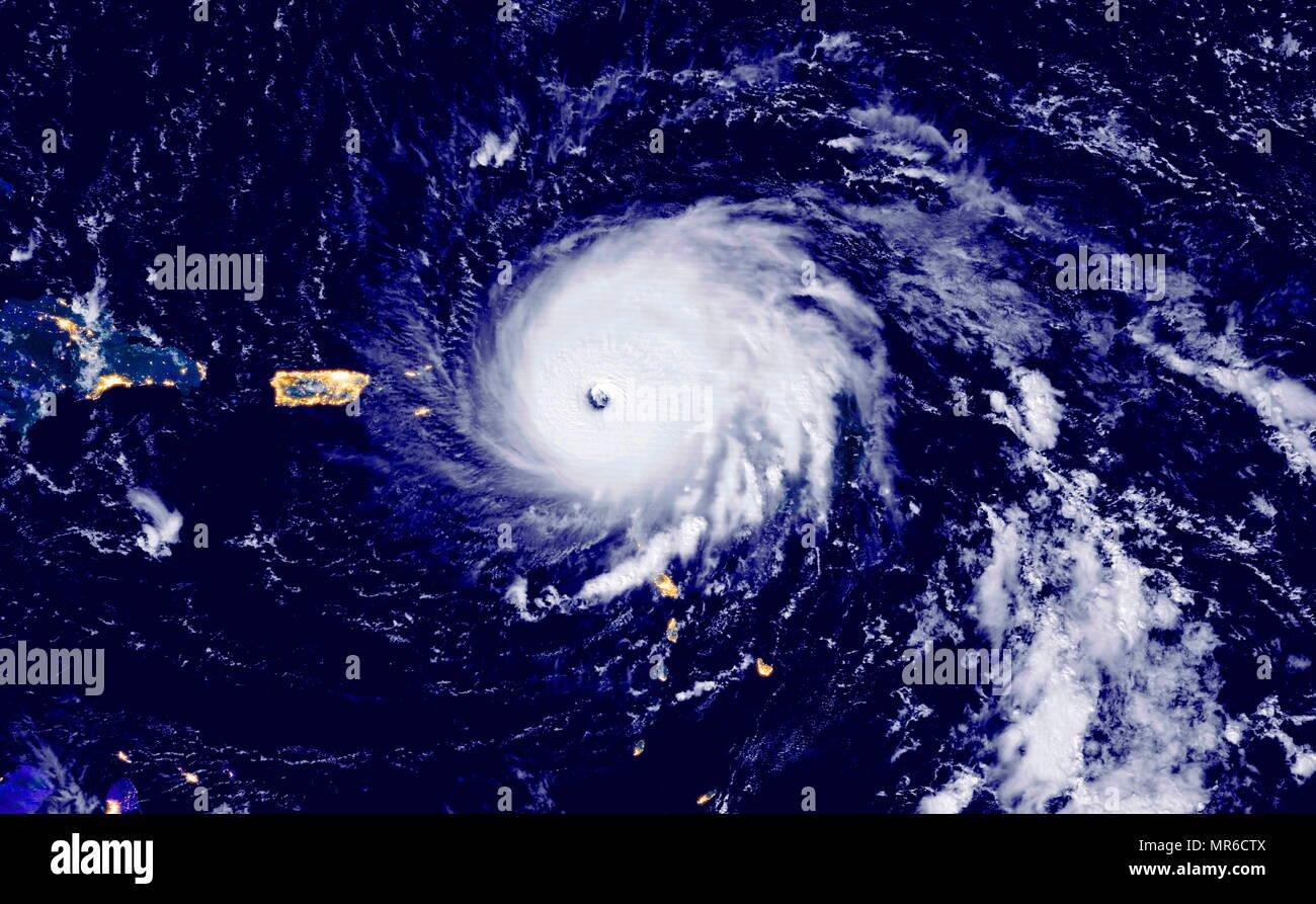 Uragano Irma sorprendente Barbuda nelle Isole Sottovento Settembre 2017. Irma il vento ha superato 185 miglia (295 chilometri) per ora, il che rende più forte tempesta mai a colpire le isole e uno dei più forti tempeste mai misurato nel bacino Atlantico. Immagini Stock