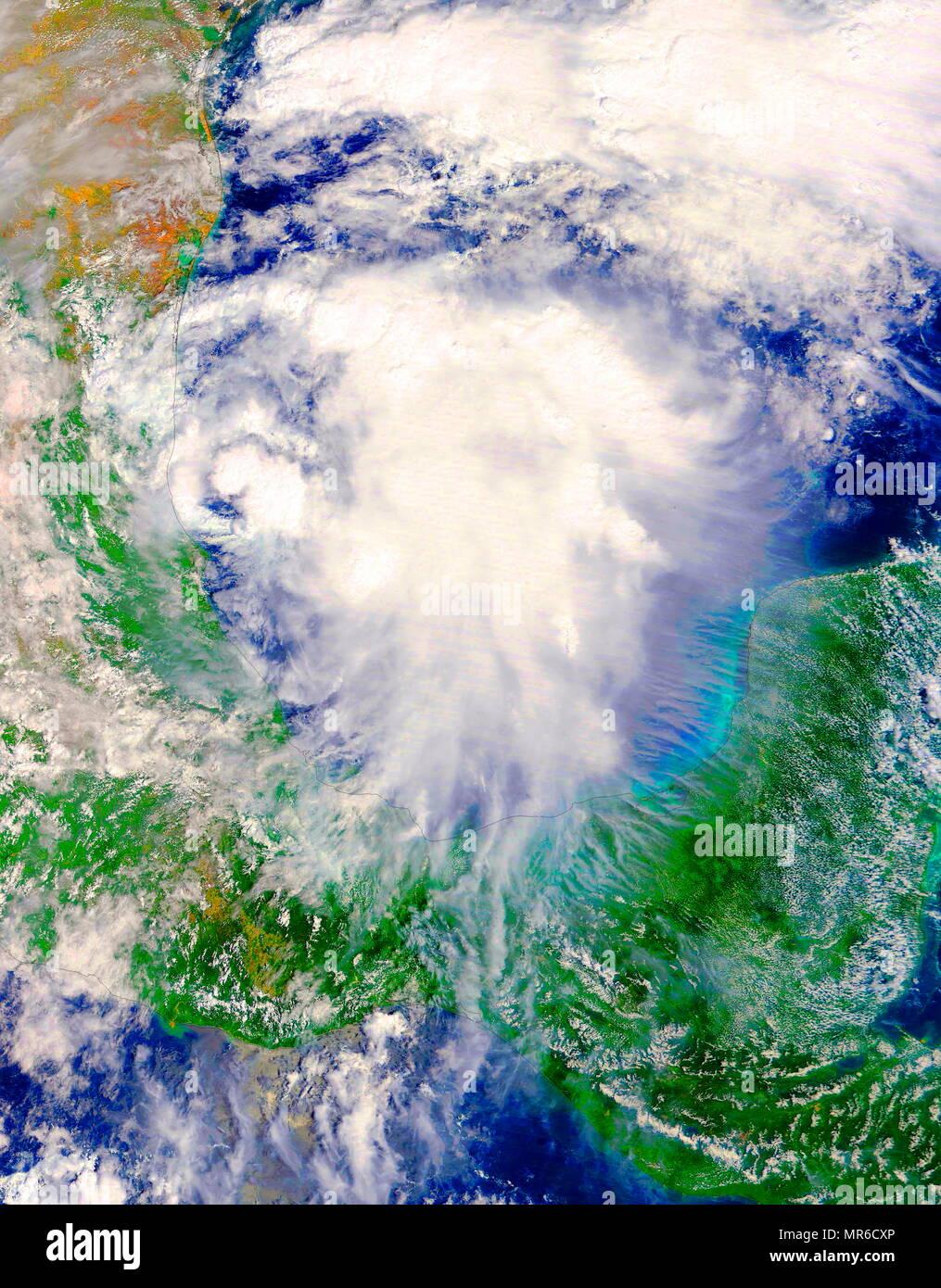 Della piattaforma satellitare Terra della NASA passò oltre lo sviluppo di tempesta tropicale Katia nell ovest del Golfo del Messico il 7 settembre 5 2017 a 1:10 p.m. EDT (1710 UTC). Immagini Stock