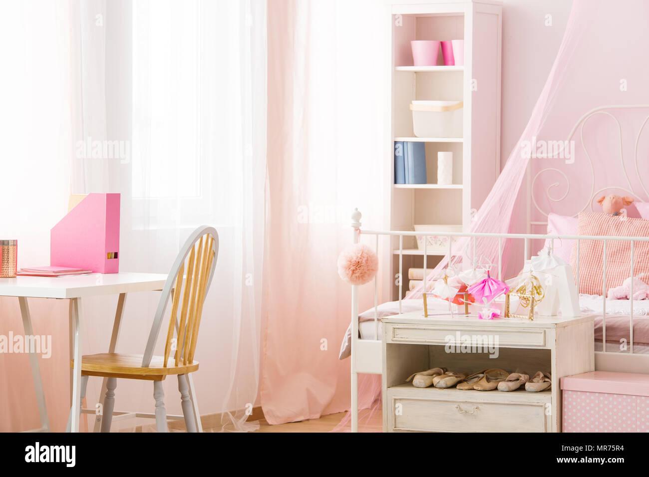 Scrivania Rosa Ikea : Sedia per scrivania rosa sedia scrivania rosa sedia scrivania