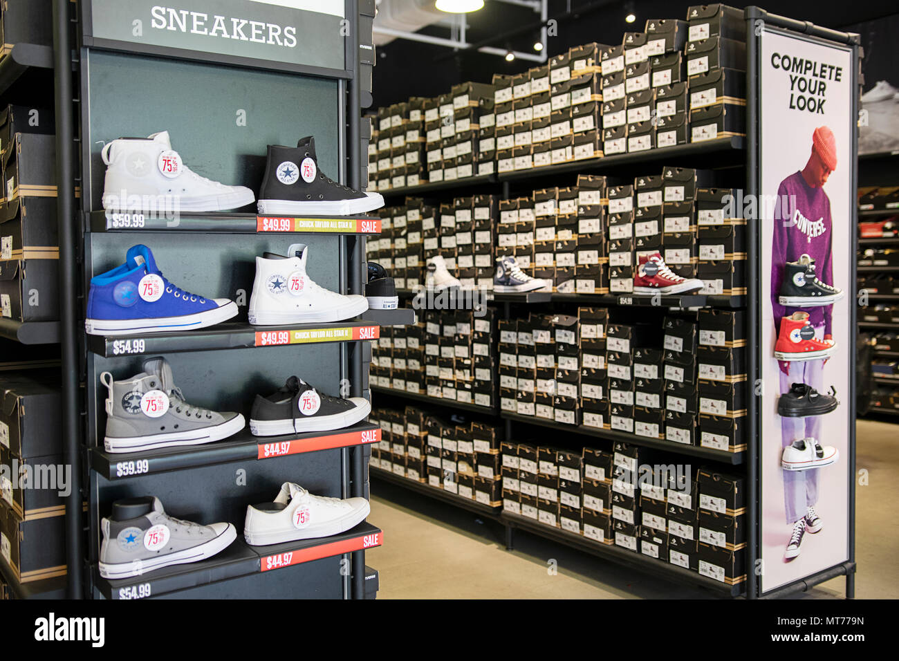 Iconico Converse Chuck Taylor sneakers in vendita a Tanger Outlet