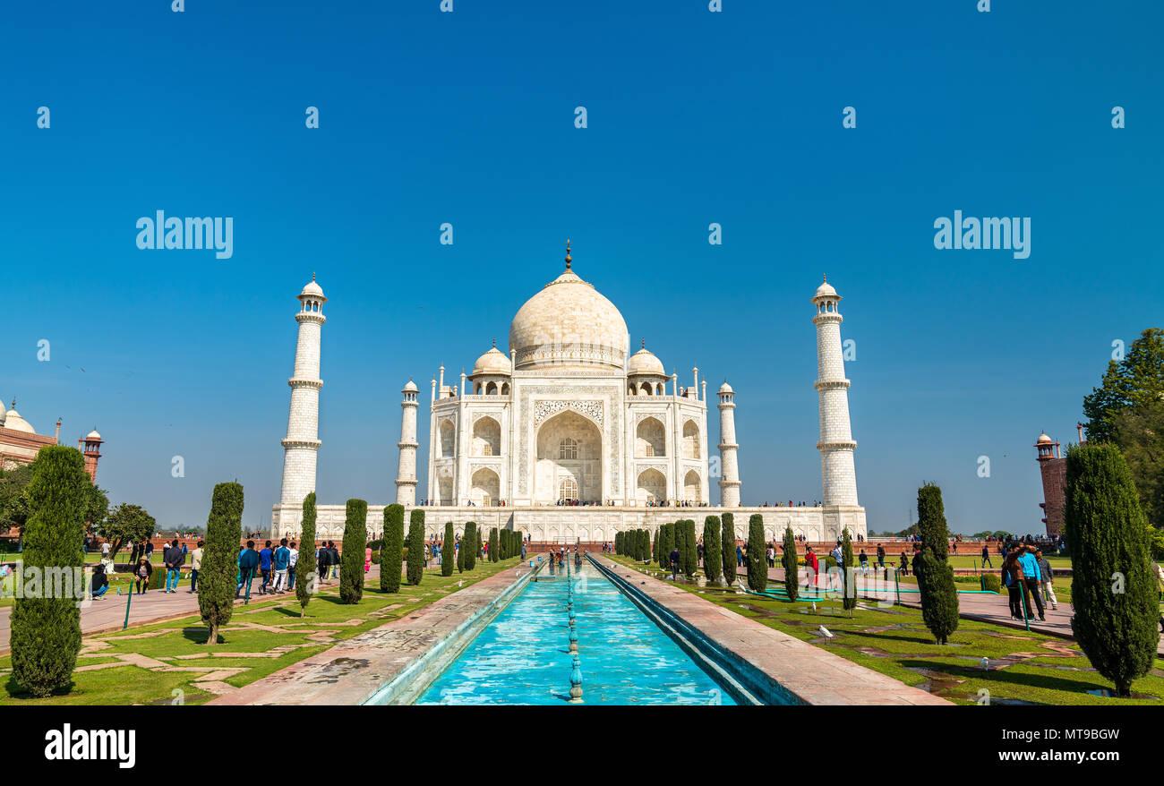 Il Taj Mahal, il monumento più famoso di India. Agra - Uttar Pradesh Immagini Stock