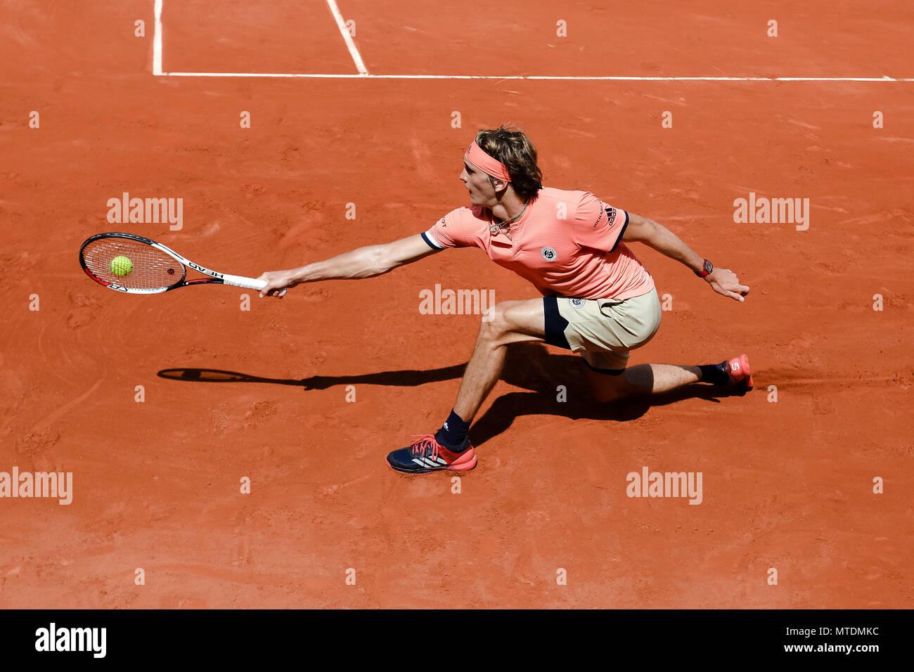 Parigi, Francia. 28 Maggio, 2018. Alexander Zverev della Germania durante il suo secondo singles corrisponde al giorno 4 al 2018 francesi aperti a Roland Garros. Credito: Frank Molter/Alamy Live News Foto Stock
