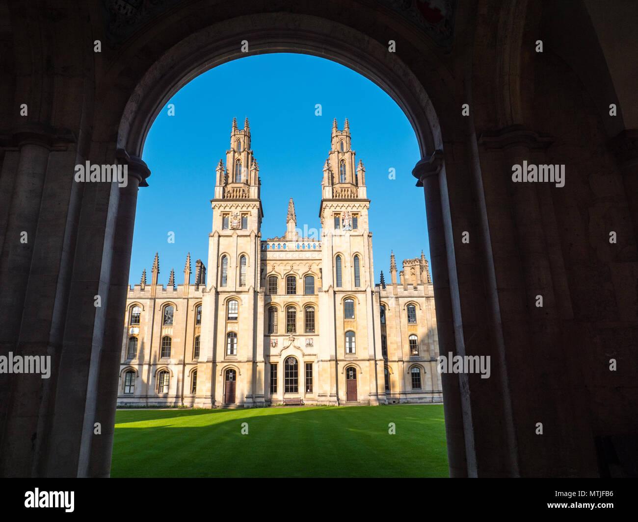 All Souls College, (Collegio di le anime di tutti i fedeli defunti), i mondi più difficile esame di ammissione università di Oxford, Oxford, Inghilterra, Regno Unito, GB. Immagini Stock