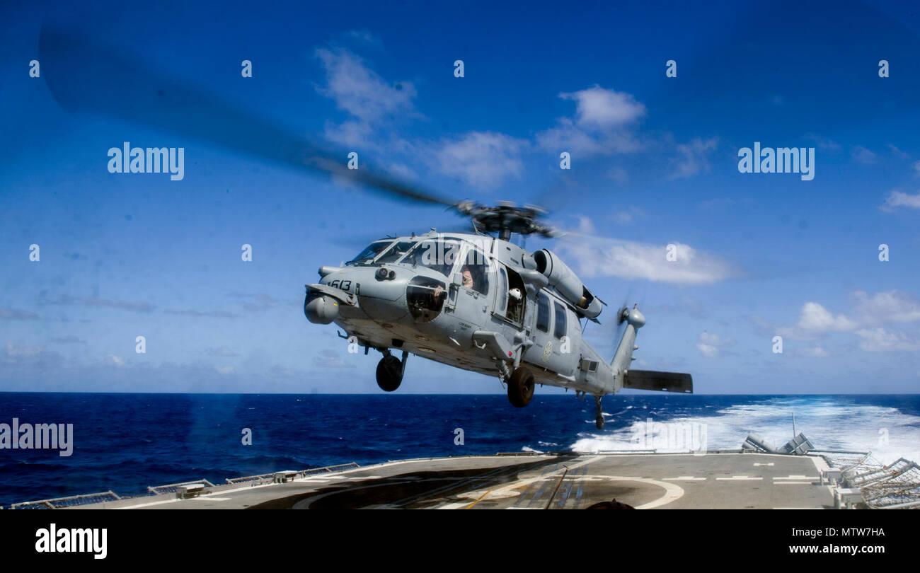 Elicottero 007 : Black hawk helicopter in flight immagini & black hawk helicopter in