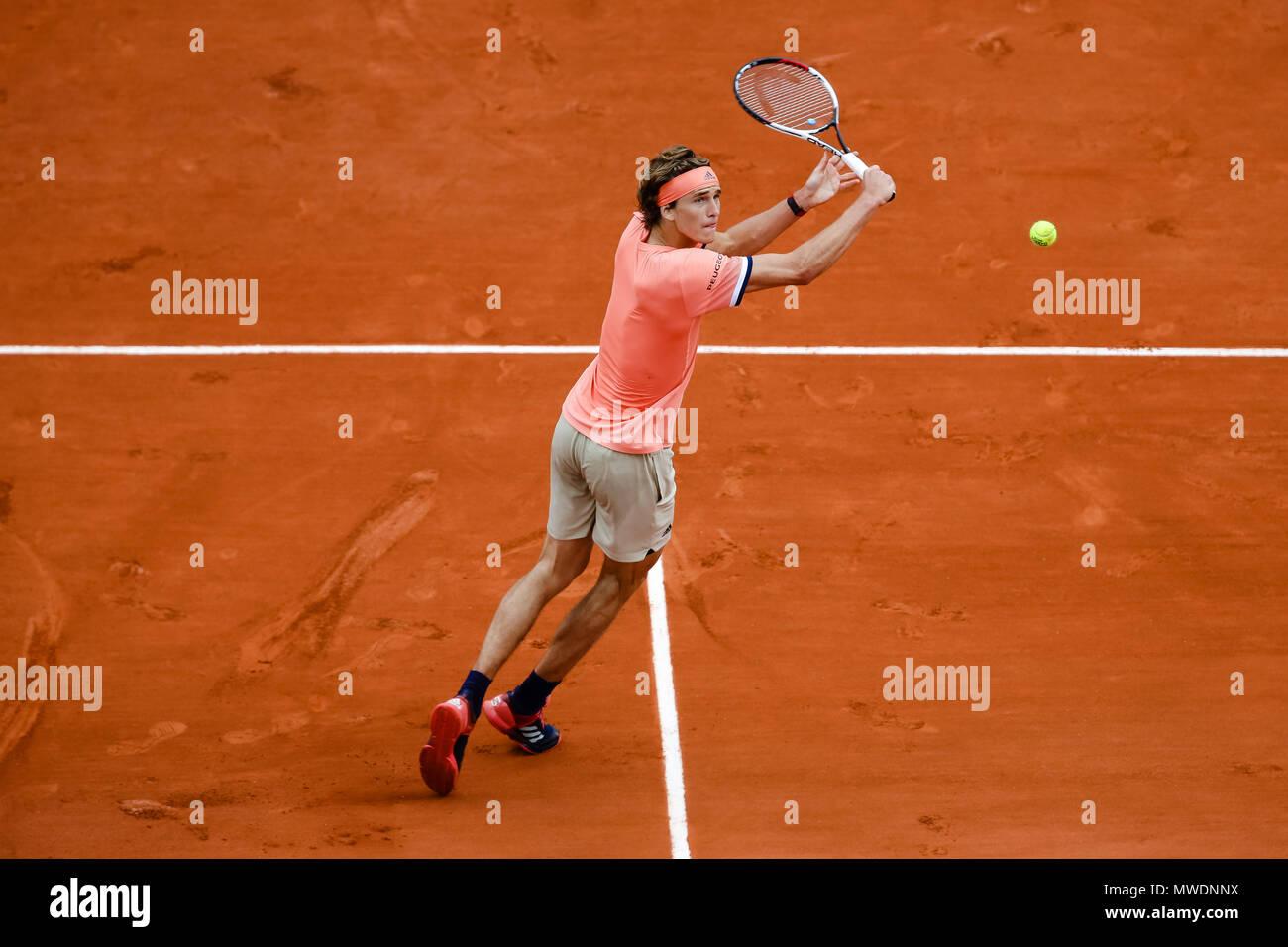 Parigi, Francia. Il 1 giugno, 2018. Alexander Zverev della Germania durante il suo terzo round singles corrisponde al giorno 6 al 2018 francesi aperti a Roland Garros. Credito: Frank Molter/Alamy Live News Foto Stock