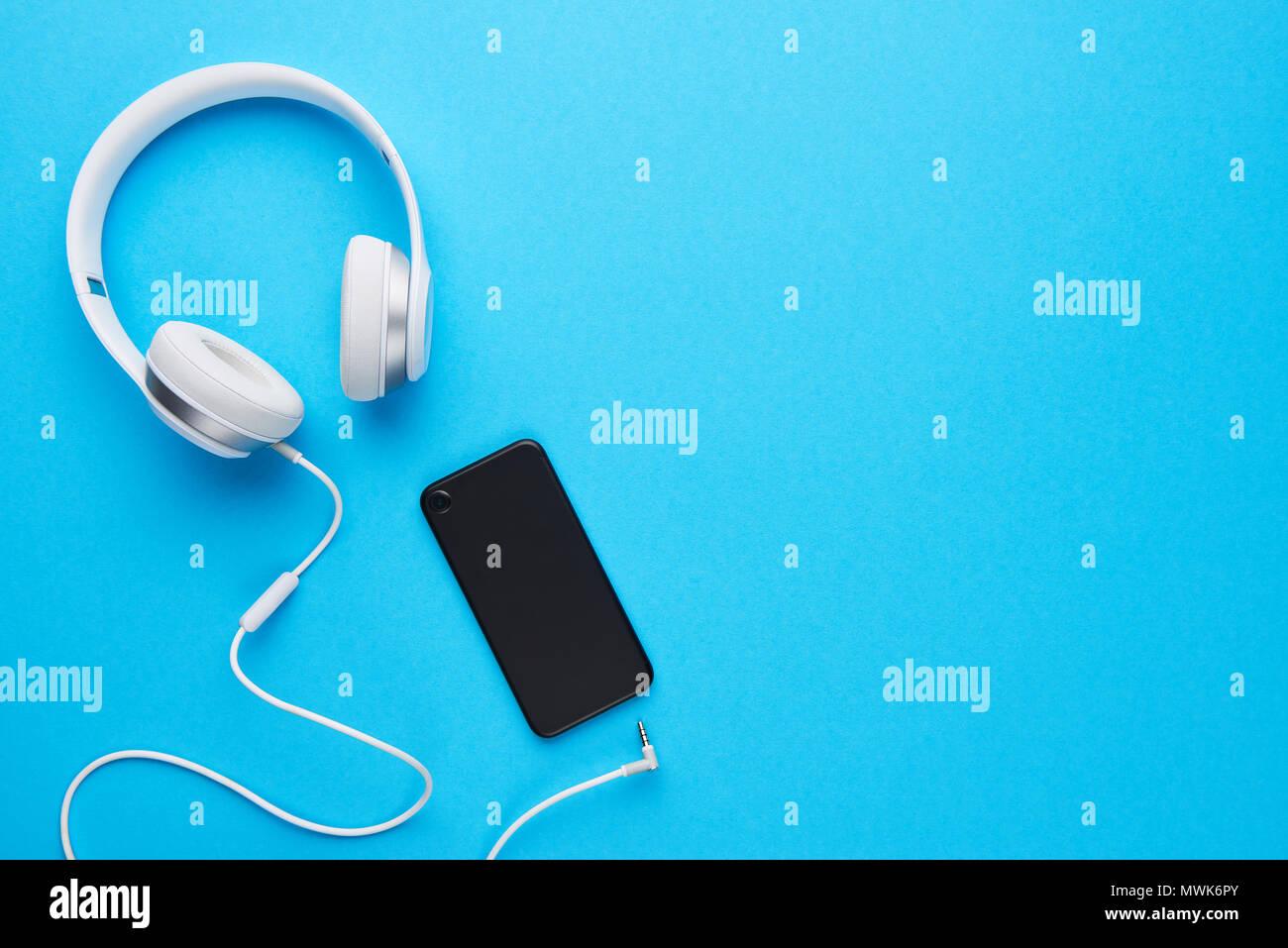 Vista Superiore Della Cuffia Bianco E Nero Telefono Cellulare Su