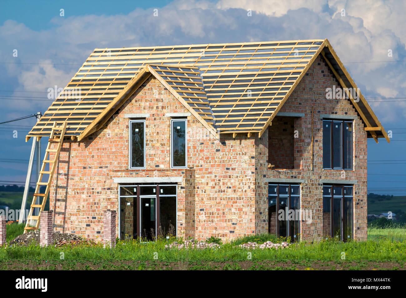 Case Di Legno E Mattoni : A due piani casa residenziale con finestre in plastica ampia