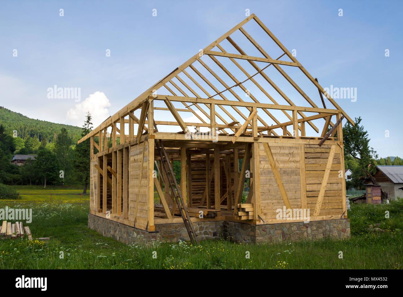 Nuova casa in legno in costruzione in tranquilla zona - Costo allacciamenti casa nuova costruzione ...