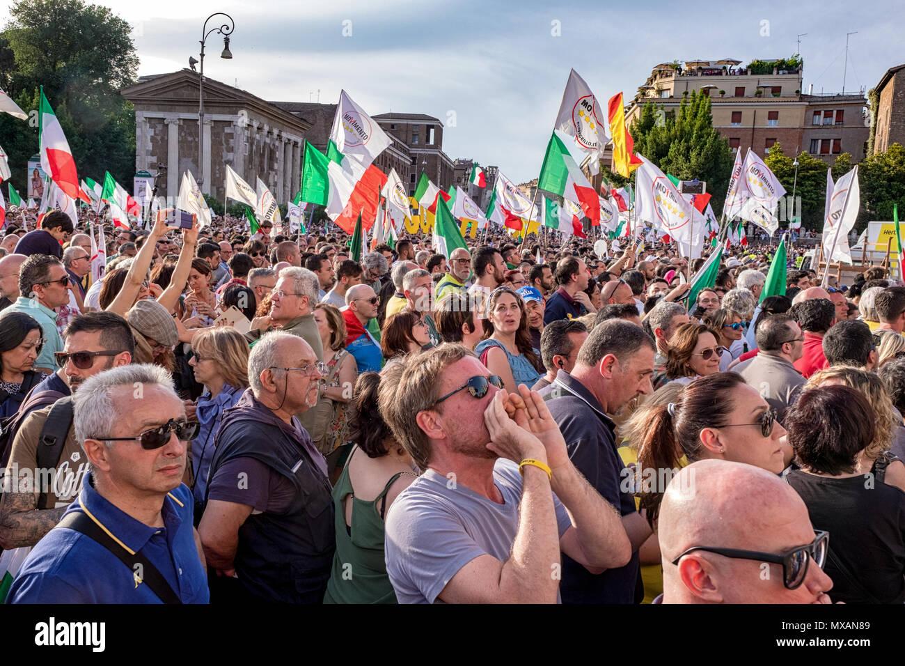 In Italia le cinque stelle di movimento ha bruciato un foro