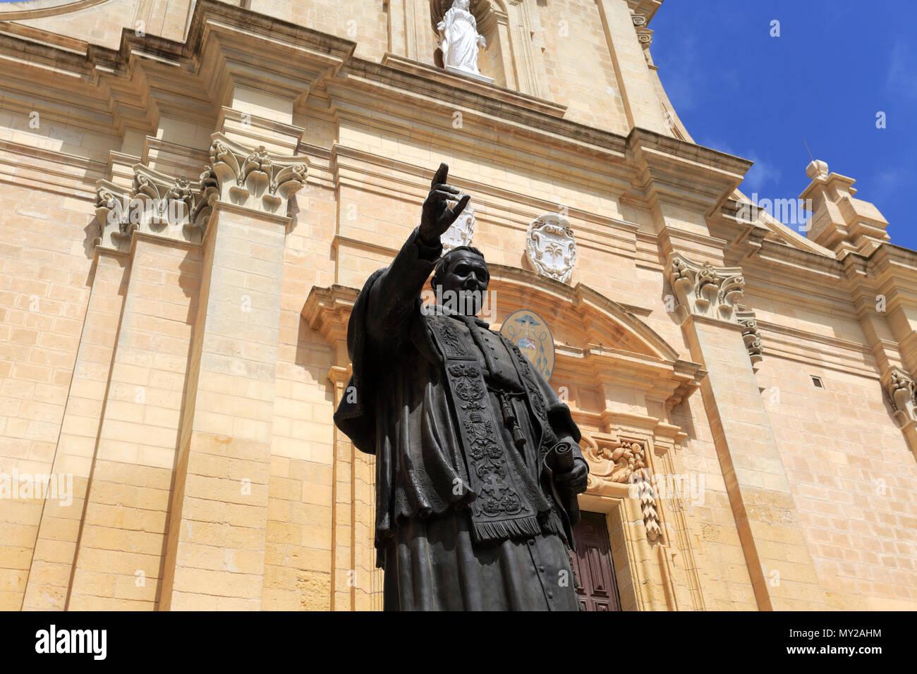 Vista estiva della Cittadella di Victoria, la capitale dell'isola di Gozo, Malta Immagini Stock