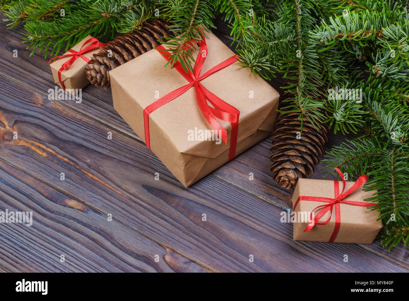 Scatole Per Regali Di Natale.Regalo Di Natale Scatola I Regali Di Natale In Rosso Le Caselle In