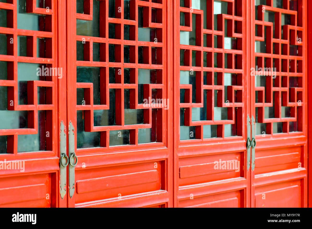 Oriental porta rossa Immagini Stock