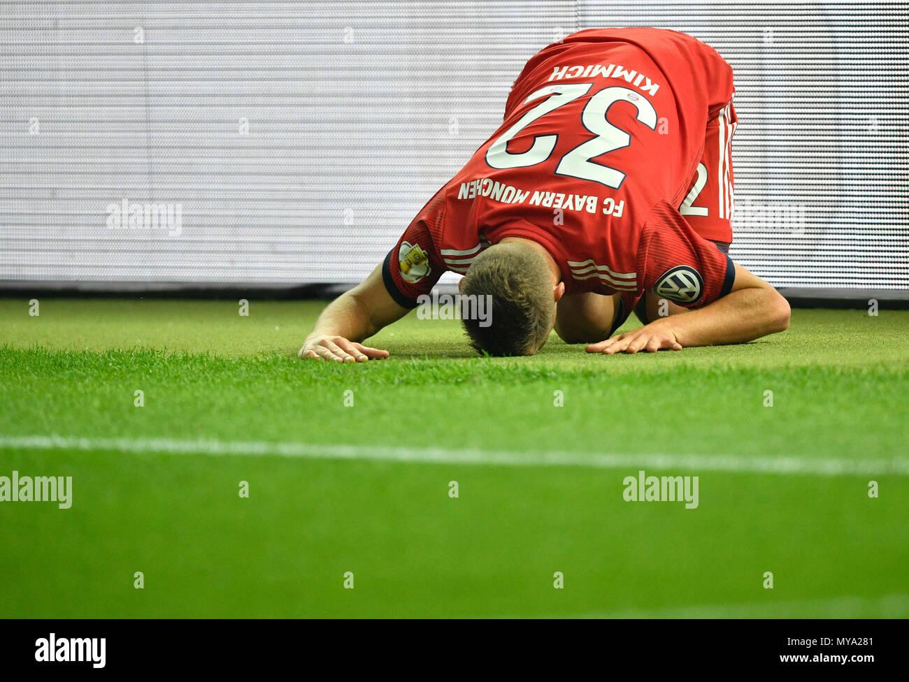 Joshua Kimmich FC Bayern Monaco deluso, DFB Cup Final 2018, allo Stadio Olimpico di Berlino, Germania Immagini Stock