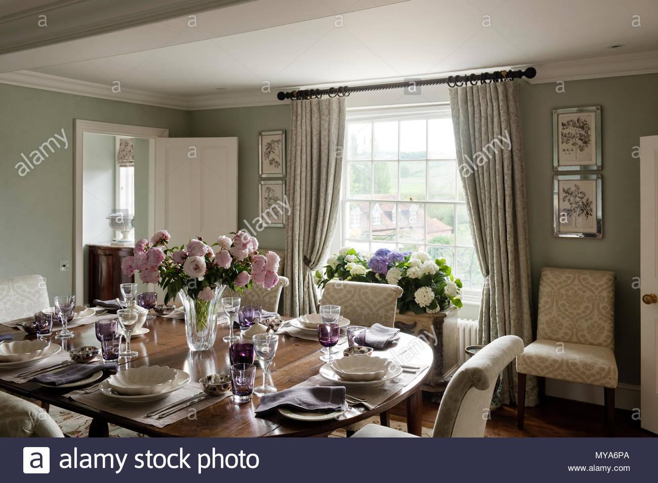 Elegante sala da pranzo Foto & Immagine Stock: 188924242 - Alamy