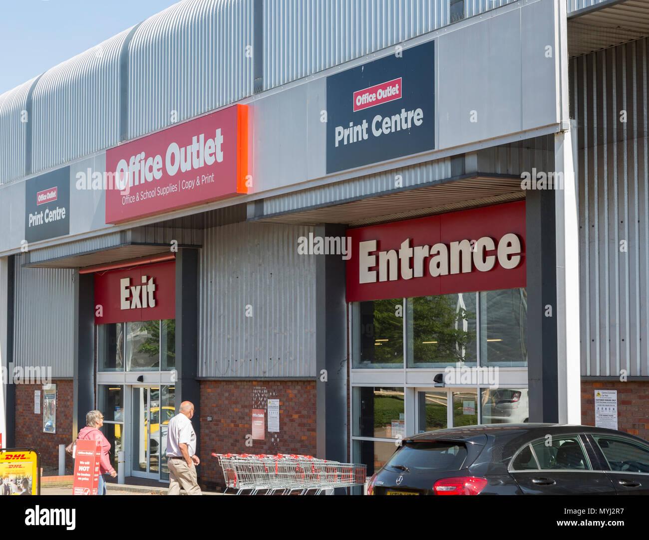 Ufficio Di Entrata : Ufficio di uscita centro stampa store shop di entrata e di uscita