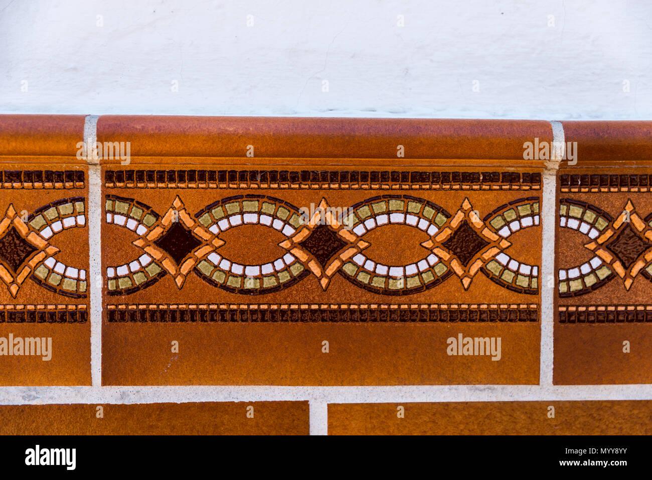 Vintage spanish style ceramic tiles immagini vintage spanish
