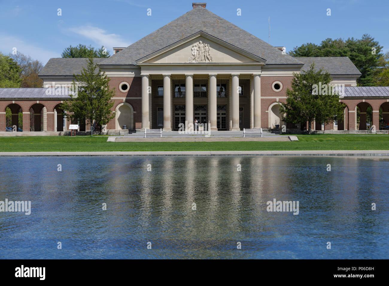 Saratoga Springs, New York: riflettendo Piscina, Sala delle molle, Saratoga Spa parco dello stato. Immagini Stock