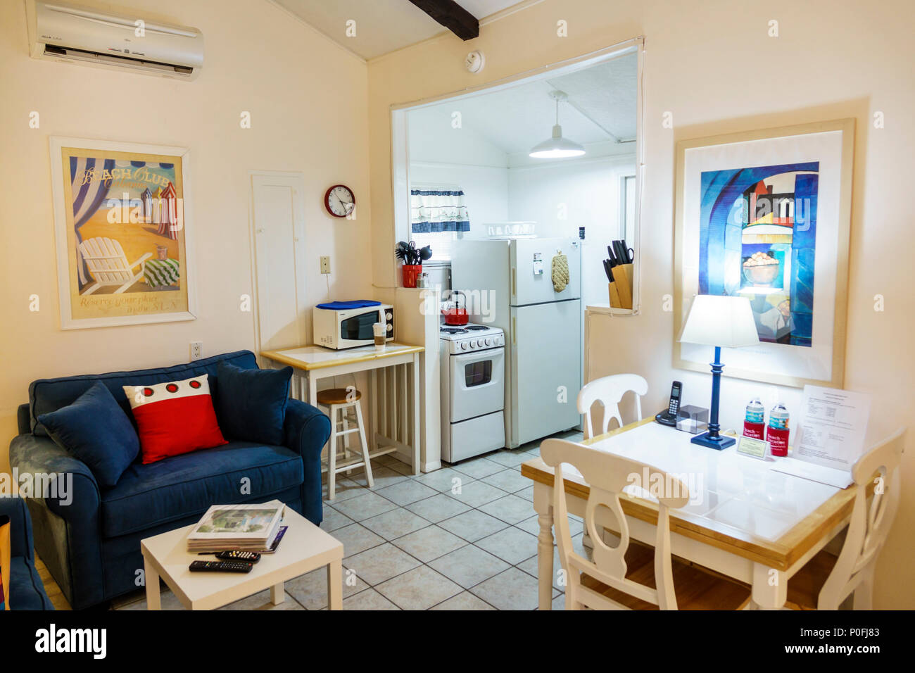 Florida Pompano Beach Cottages dal Beach Motel bungalow interno ...