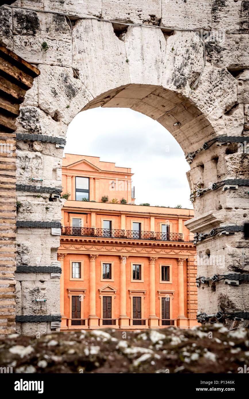 Un Moderno Foro Di Roma.Un Moderno Foro Di Roma