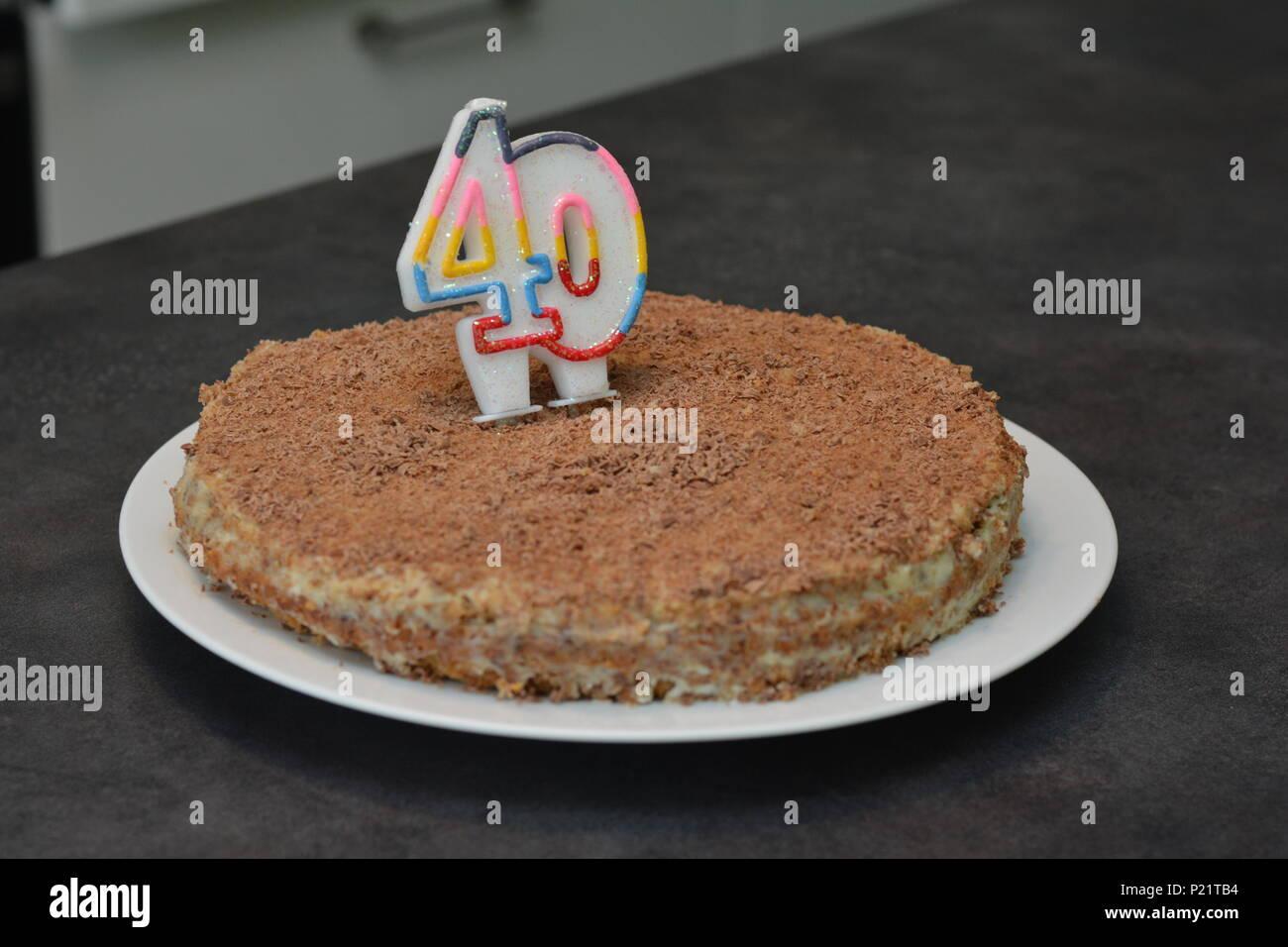Compleanno Torta Al Cioccolato Con Candela Come Un Numero Quaranta