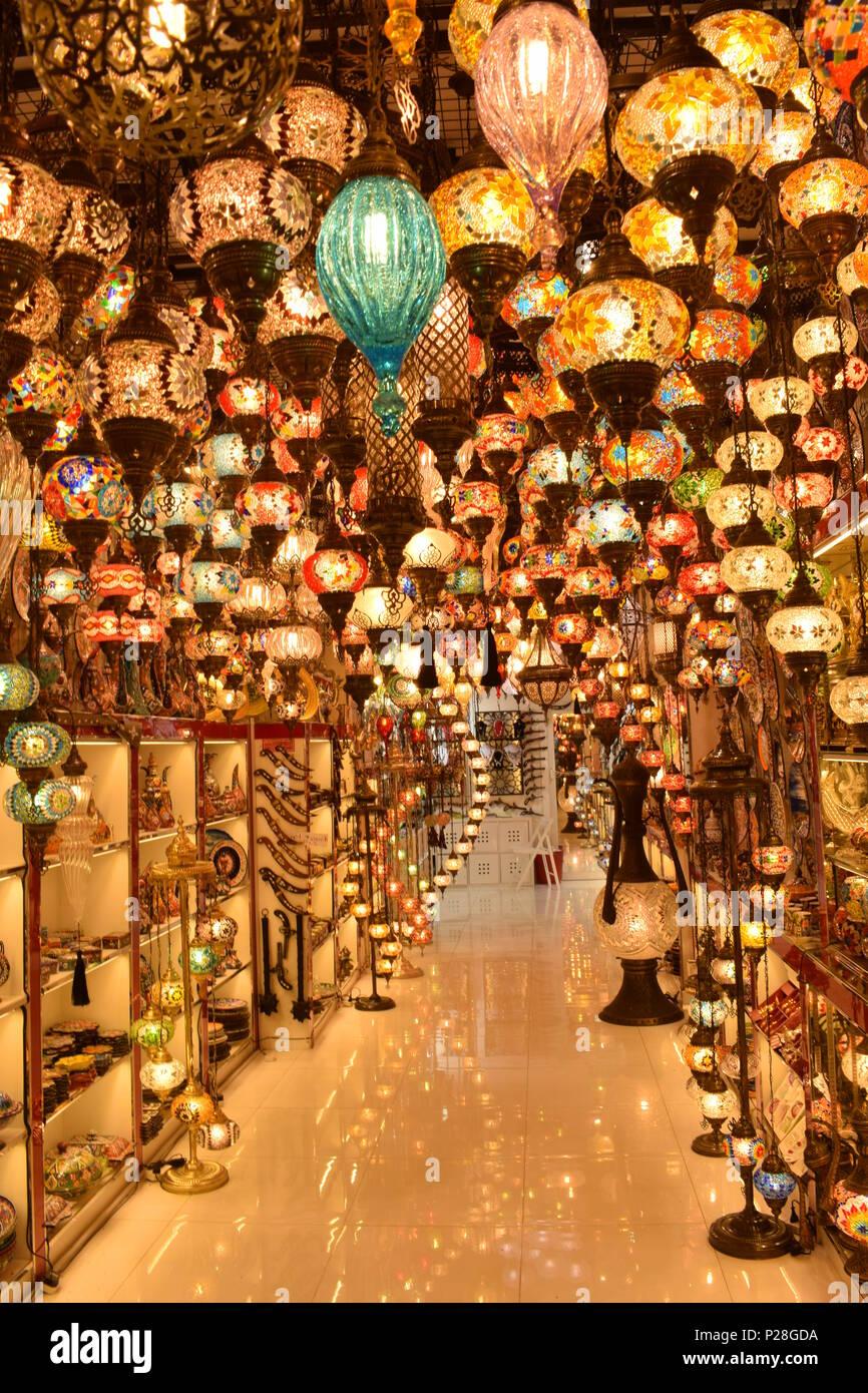 Mentre esplorare Dubai, abbiamo vagato in uno dei mercati e abbiamo trovato questo bellissimo luogo pittoresco. Immagini Stock