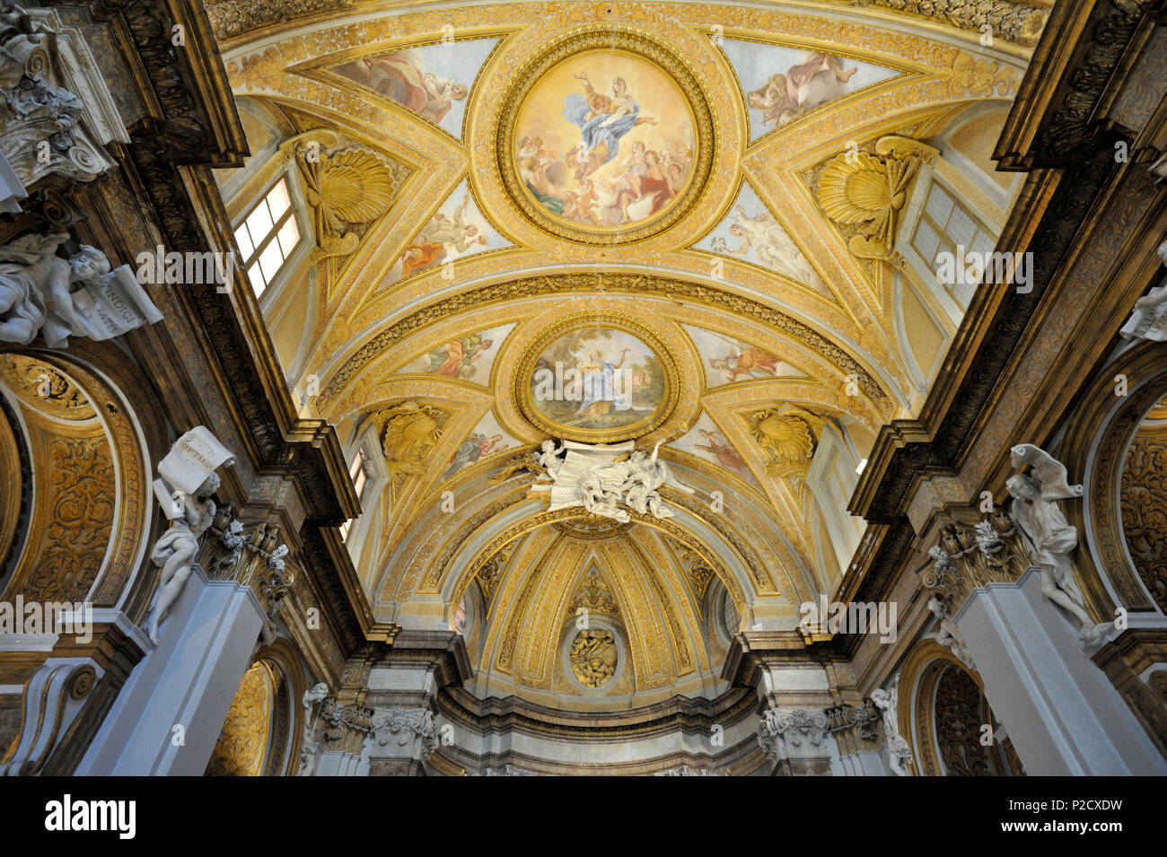 Soffitto affreschi di Giovanni Battista Gaulli, noto anche come Baciccio, chiesa sconsacrata di Santa Marta al Collegio Romano (XVII secolo) Roma, Italia Immagini Stock